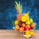 Mangos (u) (3.0), Manzanas  (u) (3.0), Piña (u) (1.0), Uvas  Kg (0.8), Peras (u) (3.0), Platanos  (u) (3.0), Papel celofán (2.0), Adornado con cinta satín (2.0), Ruscus (1.0), Papel arroz (3.0)