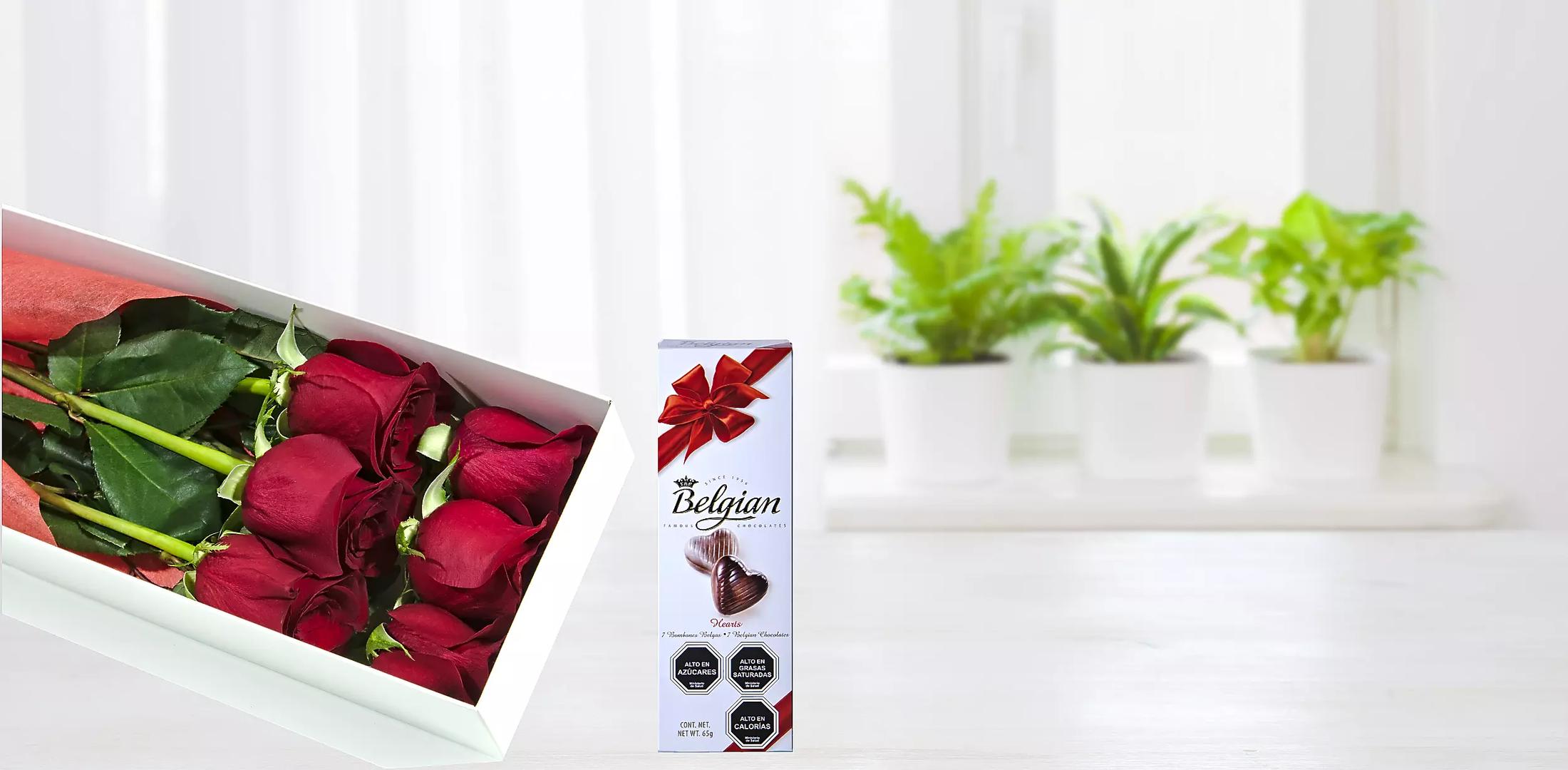 Pack De Bella Caja De Rosas Con Finos Chocolates