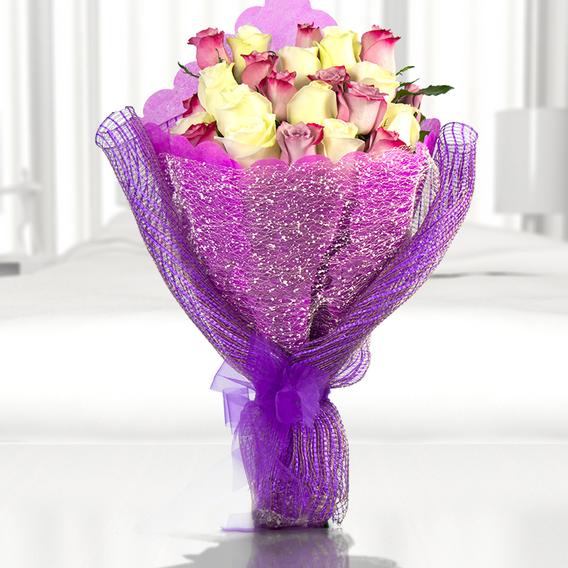 Precioso Ramo Con Mix De 24 Rosas Importadas